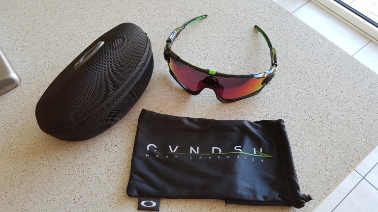 5eaba11e8a9 The Oakley jawbreaker are apparently Oakley s response to Mark Cavendish s  request for something that offers an unobstructed field of vision.